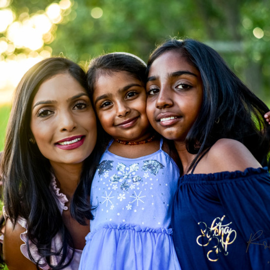 Mommy & Daughter Cosmos Session | Shot by RDP Team