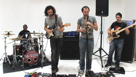 Music Notes Performance: Marbin - Loopy