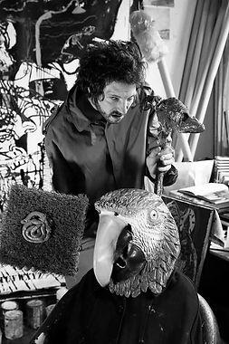 groom atelier perroquet sceptre merde.jpg