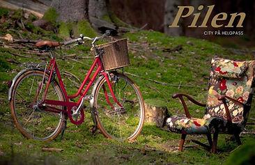 PILEN_på_helgpass_röd_dam.jpg