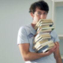 książki stosu