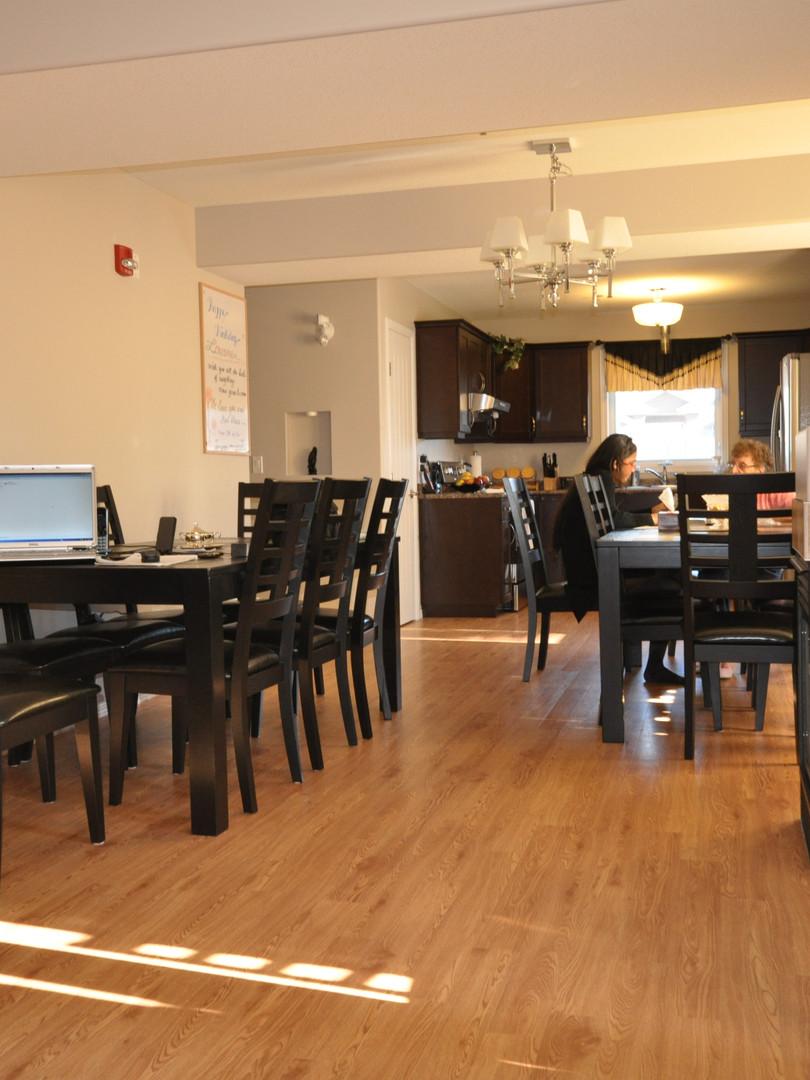 Warm 'n' Cozy - Dining Area