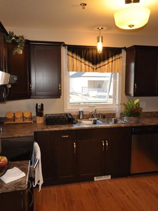 Warm 'n' Cozy - Kitchen