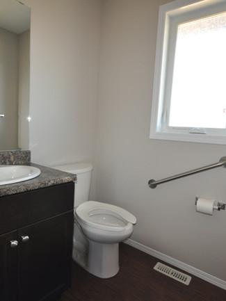 Warm 'n' Cozy - Private Washroom