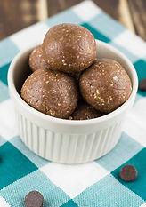 chocolate-peanut-butter-protein-balls-15