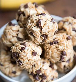 Peanut-Butter-Banana-Energy-Bites-9_edit