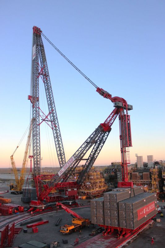 largest capacity land-based crane load test