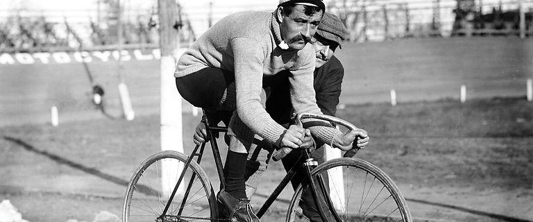 Cycling history ISOCK photo