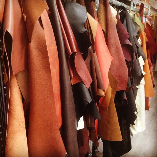 #throwbackthursday to sampling #leather for our new #canvas #weekendbag #britishdesign #startup #fas