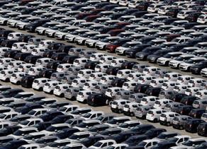 標普:全球輕型汽車今年銷量料跌20% 明後兩年反彈7-9%