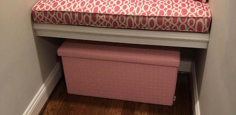 Bench Cushion w/ Pillows