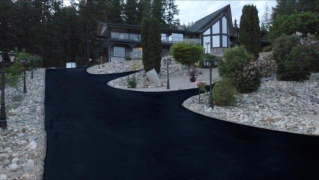Residential asphalt laneway