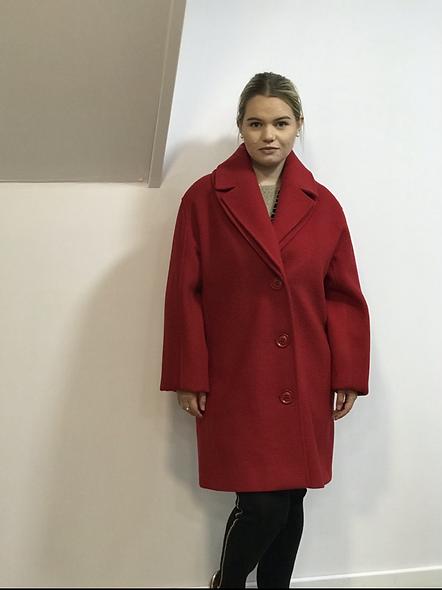 Manteau rouge | PAUSE CAFÉ