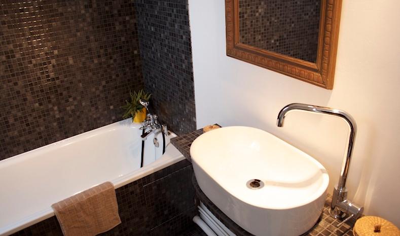 Salle de bains au n°7bis - La Petite Maison d'à Côté
