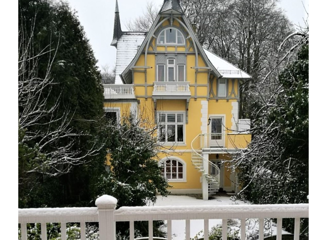 GV Building winter.jpg