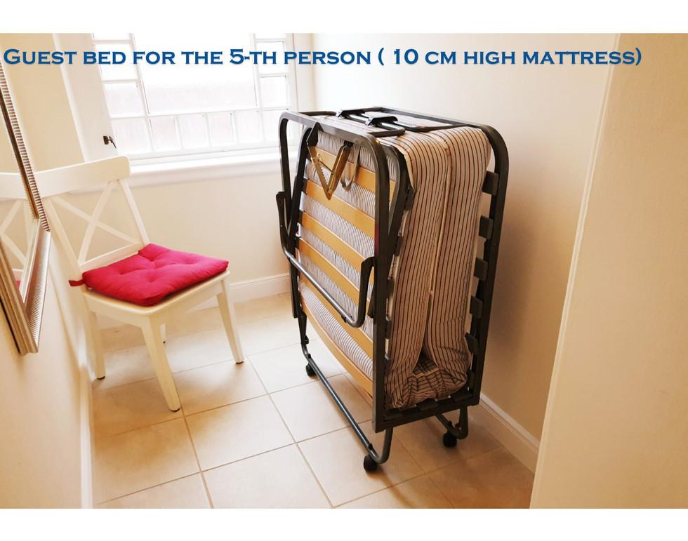 Suite Royal 5th bed.jpg