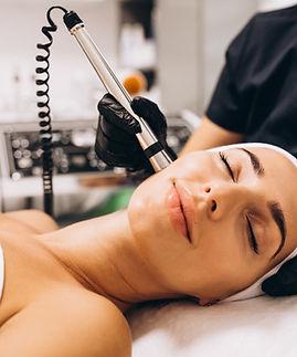 centro-medico-miraflores-medicina-estetica-facial-microneedling