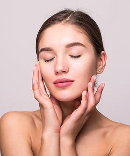 centro-medico-miraflores-medicina-estetica-facial-marcacion-pomulos