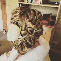 Braid into side curl style by Hayley mac  #melbournemakeupartist #makeupartist #naturalmakeup #brida