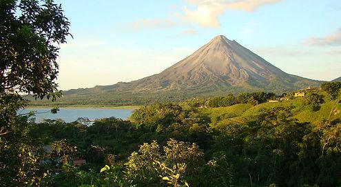 Playa Grande Shuttle & Tours arenal volcano