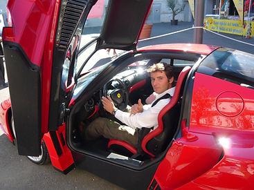 Convoyage Ferrari Enzo Tours => Paris.JP
