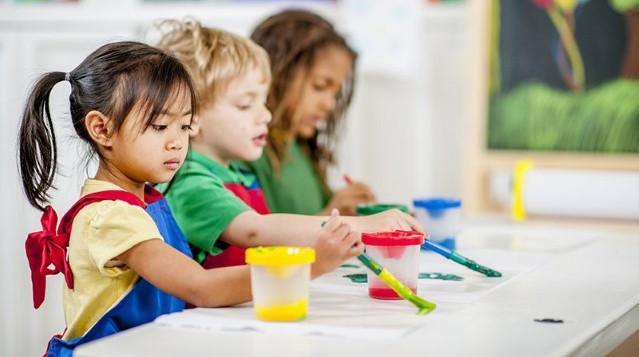 Little-children-painting.jpg