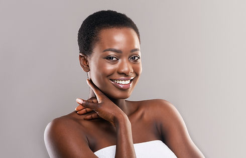portrait-of-pretty-afro-woman-touching-s