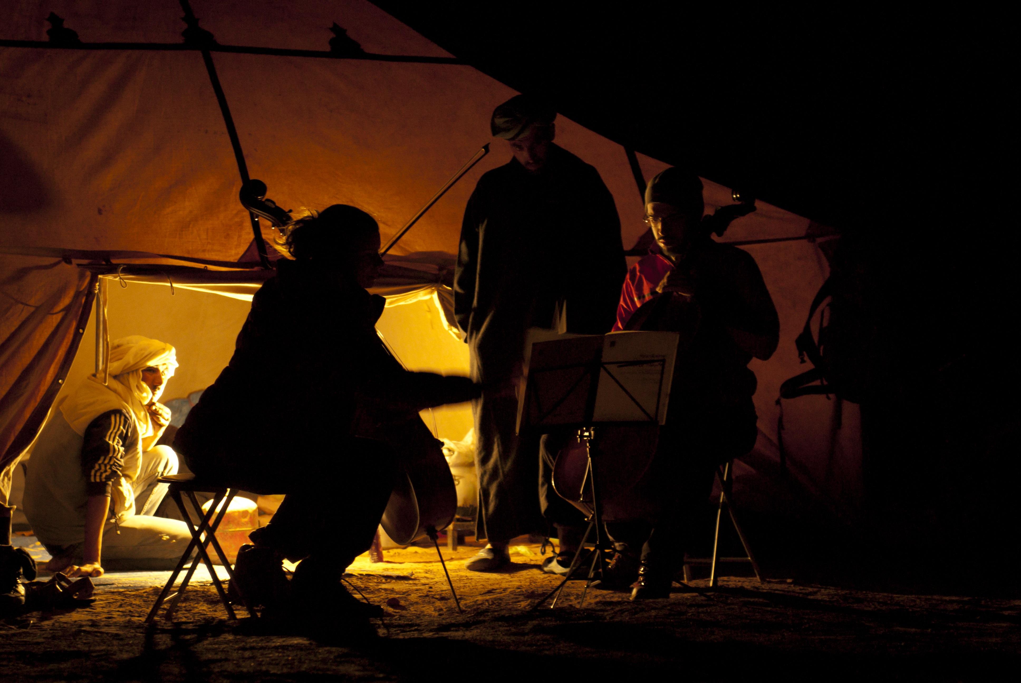 concet sous la tente , sahara
