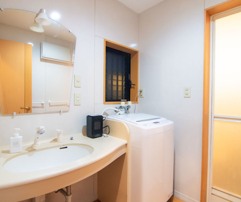 Location bathroom 南品川2.jpg