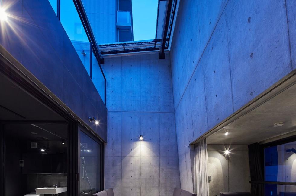 tokyo diagonal tower051.jpg
