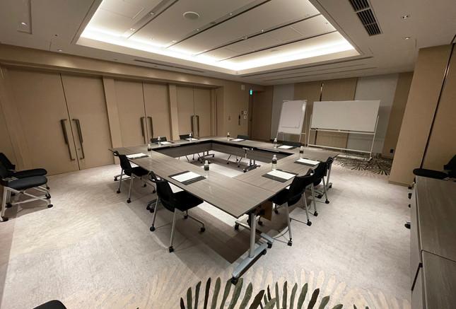 Square Style Meeting Room 3.jpg