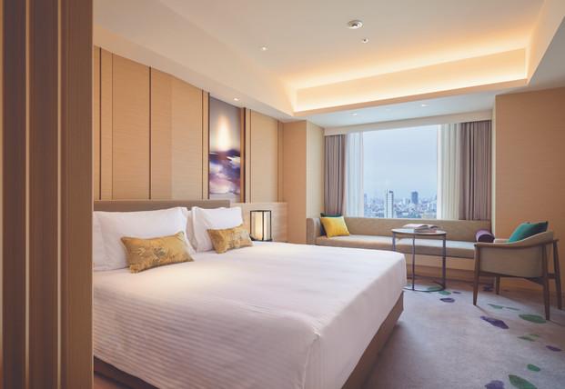 123941598-H1-FraserS_Akasaka,_Tokyo_Corner_Deluxe_(Rm2212)_Bedroom.jpg
