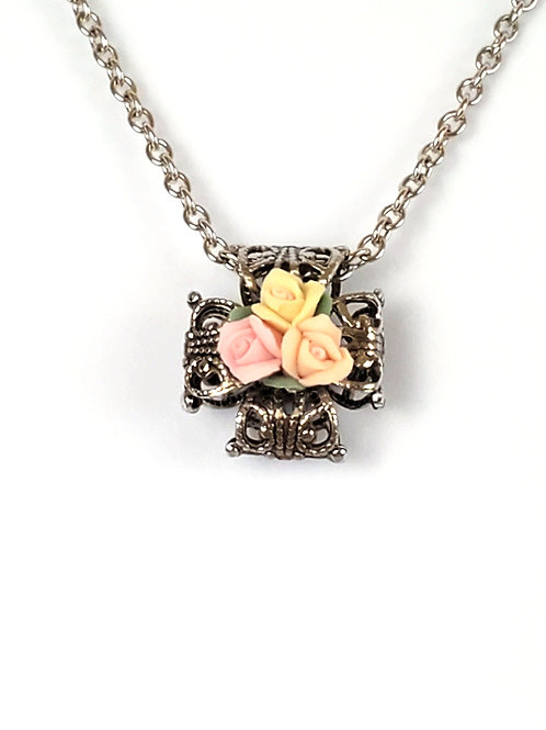 Women's cross necklace, made with filigree and ceramic roses