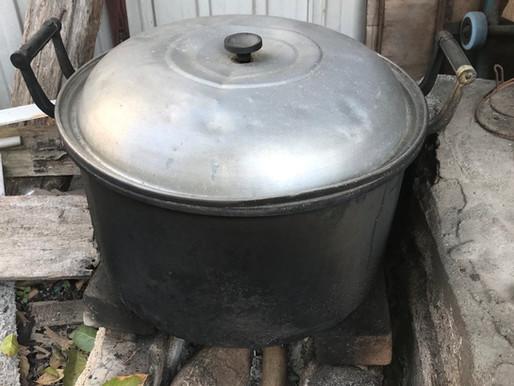 Large Cooking Pot (Yau, Tsz Shan )
