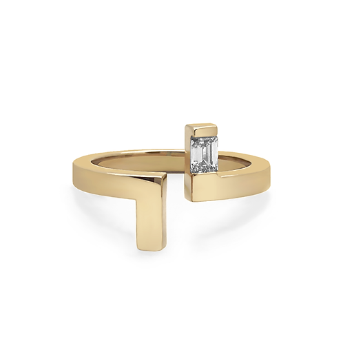 Lily Ring - Yellow Gold EM