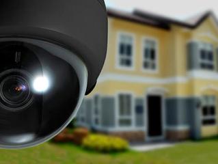 ¿Se pagan cuotas por un sistema de seguridad con alarmas o es opcional?