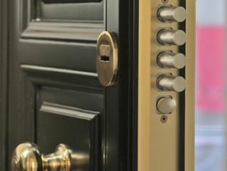 Puertas de seguridad, puertas blindadas o puertas acorazadas ¿qué diferencias hay?