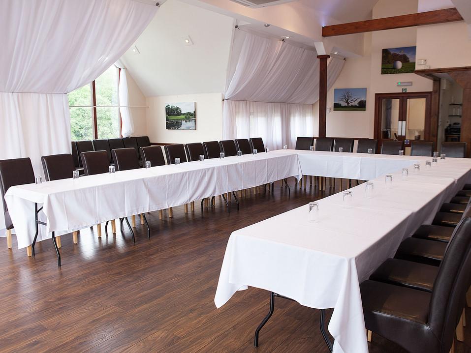 MeetingRoom01_WEB.jpg
