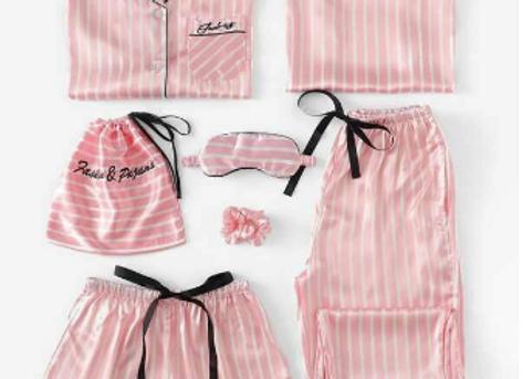 Pijama Rosa Con Rayas Satinada 7 piezas