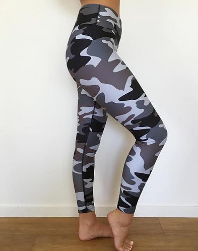 3/4 length Black Camo Loznpoz leggings* (XS & L only)