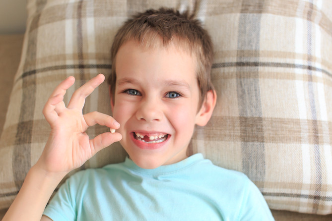 What to do when your child loses their first tooth