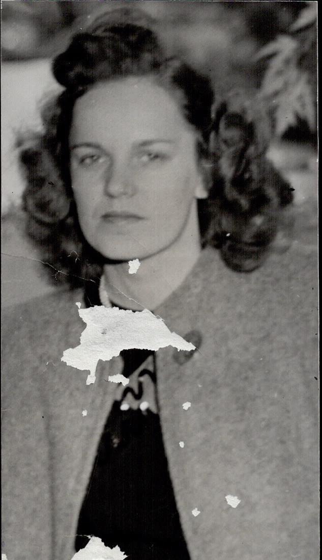 Helen Mocon (Christina's sister)