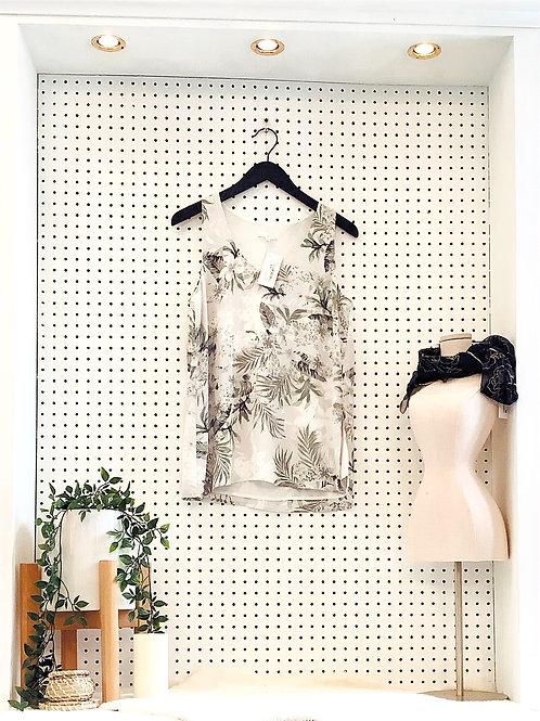 Camber&Grace Sleeveless Blouse- Size Med