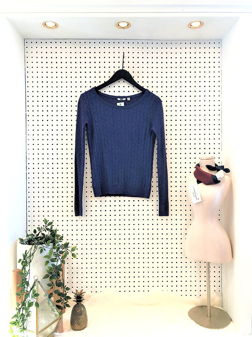 Uniqlo Lightweight Wool Cable Knit Sweater