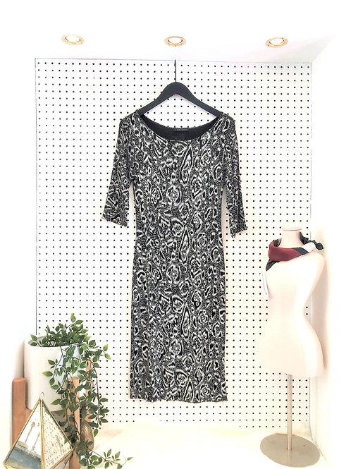 QED London Lightweight Jersey Knit Midi Dress - Size Medium