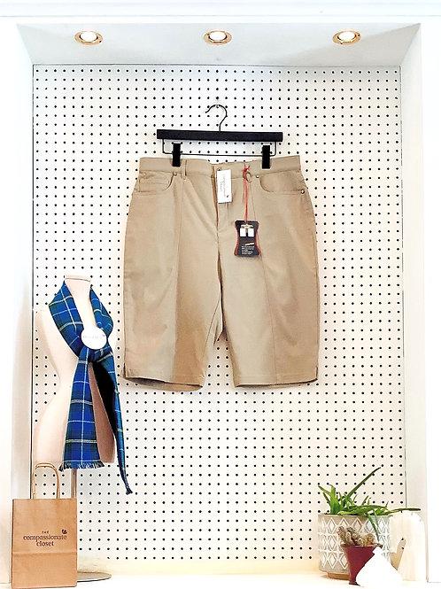 Simon Chang Bermuda Shorts - Size 16