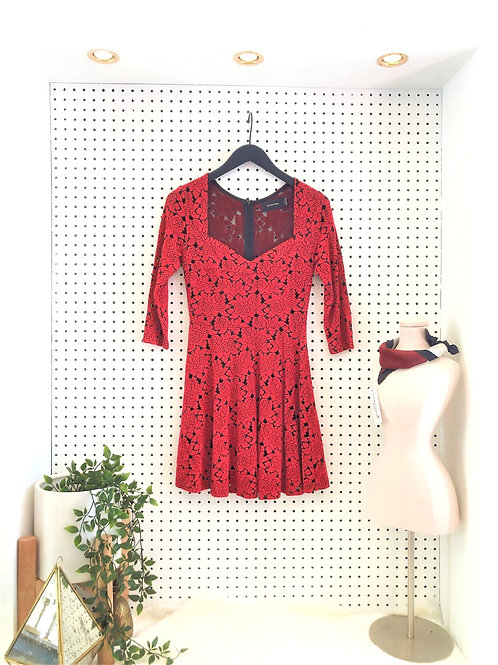 Mink Pink 3/4 Length Sleeve Lace Dress with Lining - Size Medium