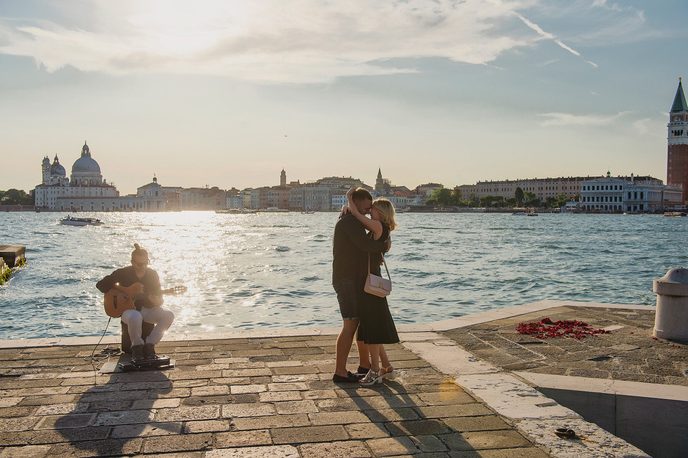 venice-wedding-proposal-photographer (8).jpg