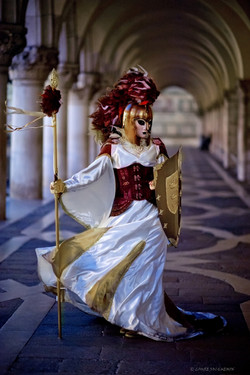 personal works laure jacquemin best venice carnaval photography (63).jpg