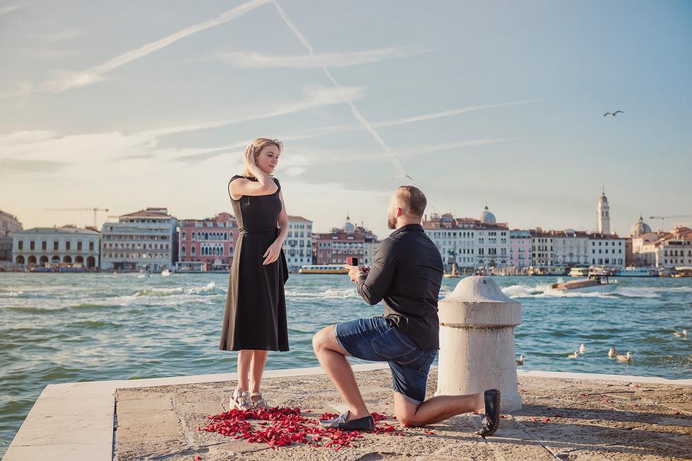venice-wedding-proposal-photographer (21).jpg